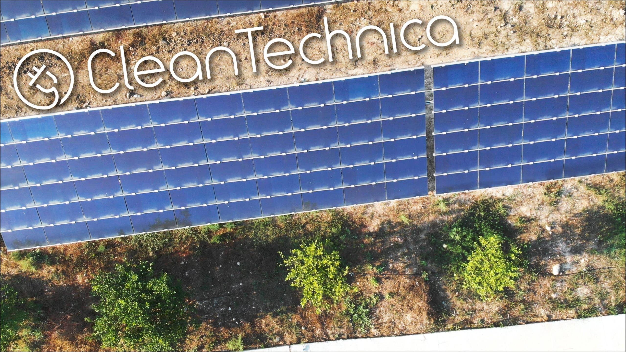 Marca de agua a escala Electronia-Solar-Panel-Farm-1