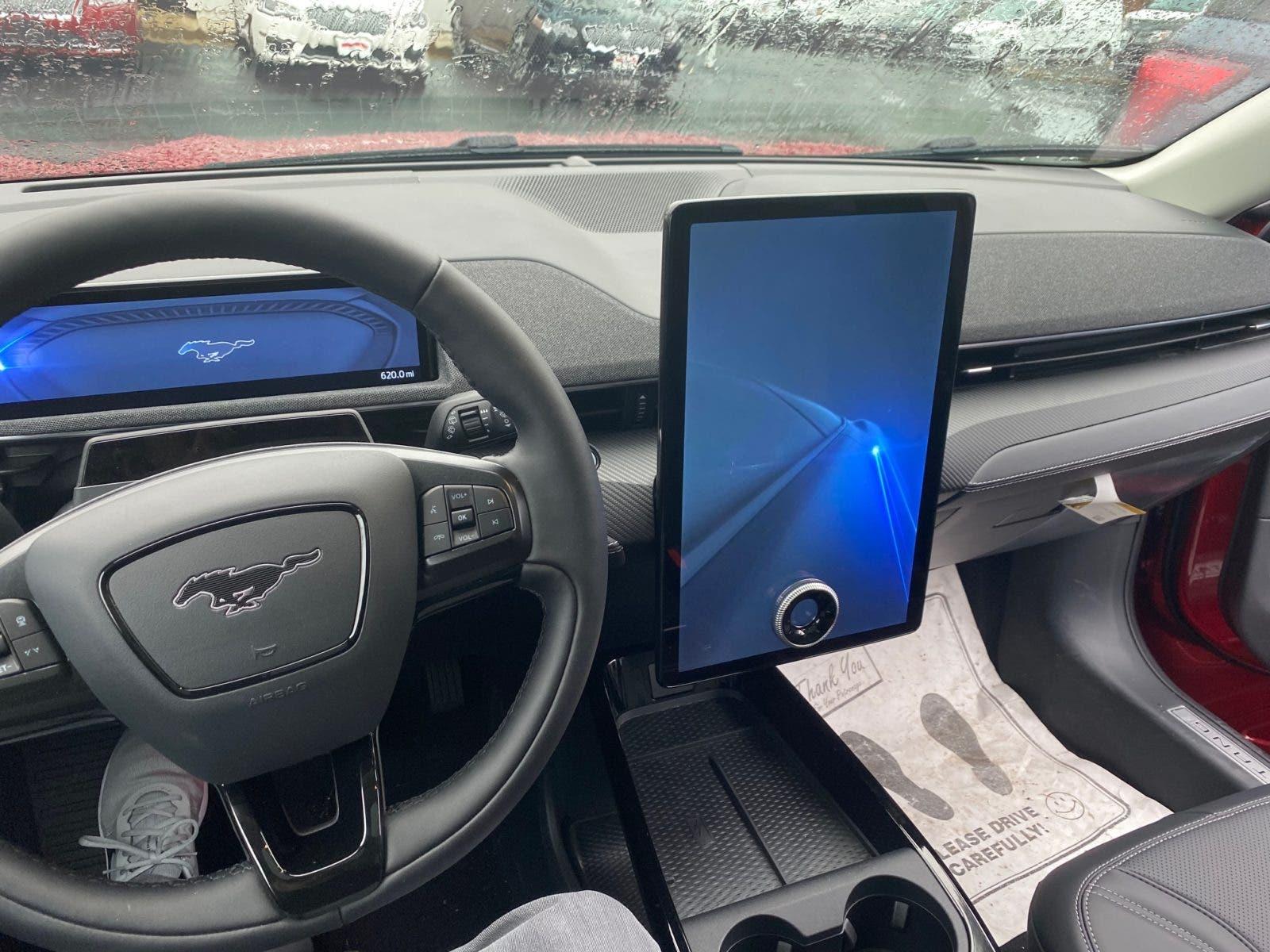 Pantalla táctil Ford Mustang Mach-E en Bethesda, Virginia